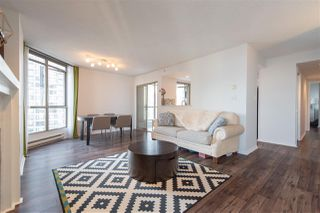 """Photo 5: 1903 867 HAMILTON Street in Vancouver: Downtown VW Condo for sale in """"Jardine's Lookout"""" (Vancouver West)  : MLS®# R2331796"""