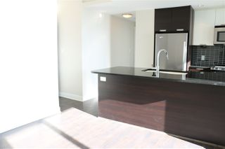 """Photo 10: 2107 2968 GLEN Drive in Coquitlam: North Coquitlam Condo for sale in """"GRAND CENTRAL 2"""" : MLS®# R2342585"""