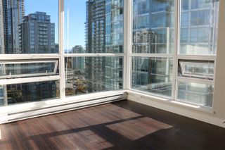 """Photo 5: 2107 2968 GLEN Drive in Coquitlam: North Coquitlam Condo for sale in """"GRAND CENTRAL 2"""" : MLS®# R2342585"""