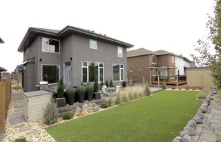 Photo 2: 4332 WHITELAW Way in Edmonton: Zone 56 House for sale : MLS®# E4152850