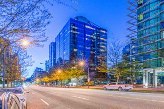 "Main Photo: 1309 1333 W GEORGIA Street in Vancouver: Coal Harbour Condo for sale in ""THE QUBE"" (Vancouver West)  : MLS®# R2364441"