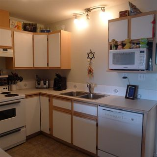 "Photo 10: 10 7715 LUCKAKUCK Place in Sardis: Sardis West Vedder Rd Townhouse for sale in ""VILLAGE CREEK"" : MLS®# R2365671"