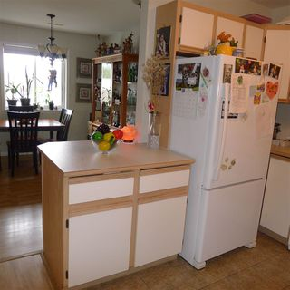"Photo 9: 10 7715 LUCKAKUCK Place in Sardis: Sardis West Vedder Rd Townhouse for sale in ""VILLAGE CREEK"" : MLS®# R2365671"
