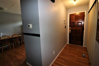 Photo 2: 1774 Lakewood Road S in Edmonton: Zone 29 Townhouse for sale : MLS®# E4156843