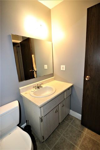 Photo 11: 1774 Lakewood Road S in Edmonton: Zone 29 Townhouse for sale : MLS®# E4156843