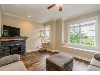 Photo 3: 12 32792 LIGHTBODY Court in Mission: Mission BC Townhouse for sale : MLS®# R2370352