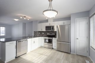 Photo 3: 124 3305 Orchards Link in Edmonton: Zone 53 Townhouse for sale : MLS®# E4160092