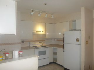 """Photo 4: 206 3668 RAE Avenue in Vancouver: Collingwood VE Condo for sale in """"RAE COURT"""" (Vancouver East)  : MLS®# R2376872"""