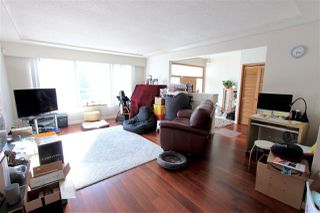 Photo 2: 2777 ROSEMONT Drive in Vancouver: Fraserview VE House for sale (Vancouver East)  : MLS®# R2387206