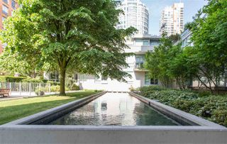 """Photo 18: 1504 1455 HOWE Street in Vancouver: Yaletown Condo for sale in """"POMARIA"""" (Vancouver West)  : MLS®# R2387626"""
