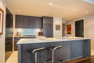"""Photo 6: 1504 1455 HOWE Street in Vancouver: Yaletown Condo for sale in """"POMARIA"""" (Vancouver West)  : MLS®# R2387626"""