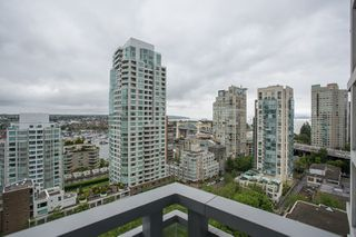 "Photo 16: 1504 1455 HOWE Street in Vancouver: Yaletown Condo for sale in ""POMARIA"" (Vancouver West)  : MLS®# R2387626"