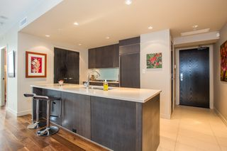 "Photo 5: 1504 1455 HOWE Street in Vancouver: Yaletown Condo for sale in ""POMARIA"" (Vancouver West)  : MLS®# R2387626"