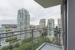 "Photo 15: 1504 1455 HOWE Street in Vancouver: Yaletown Condo for sale in ""POMARIA"" (Vancouver West)  : MLS®# R2387626"