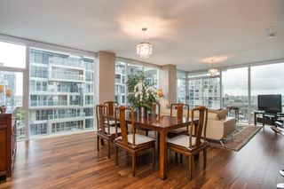 "Photo 3: 1504 1455 HOWE Street in Vancouver: Yaletown Condo for sale in ""POMARIA"" (Vancouver West)  : MLS®# R2387626"