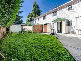 Photo 3: 2986 268A Street in Langley: Aldergrove Langley Townhouse for sale : MLS®# R2472587