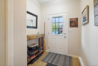 Photo 2: 3255 Willshire Dr in Langford: La Walfred House for sale : MLS®# 844223