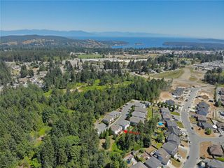 Photo 2: 102 2169 Ridgemont Pl in : Na Diver Lake Row/Townhouse for sale (Nanaimo)  : MLS®# 850692