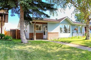 Main Photo: 6210 24 Avenue NE in Calgary: Pineridge Semi Detached for sale : MLS®# A1017165
