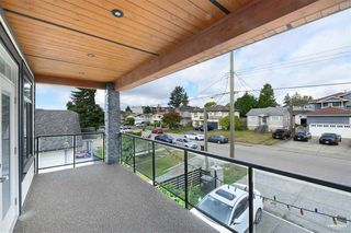 Photo 21: 7964 14TH Avenue in Burnaby: East Burnaby House for sale (Burnaby East)  : MLS®# R2501679