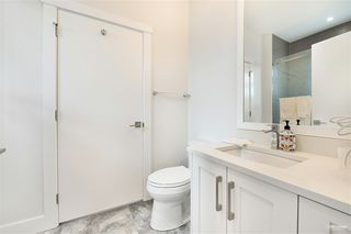 Photo 24: 7964 14TH Avenue in Burnaby: East Burnaby House for sale (Burnaby East)  : MLS®# R2501679