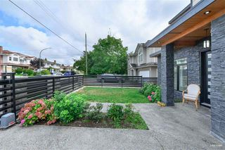 Photo 2: 7964 14TH Avenue in Burnaby: East Burnaby House for sale (Burnaby East)  : MLS®# R2501679