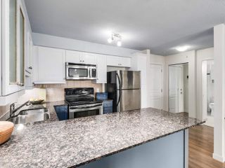 "Photo 11: 304 1969 WESTMINSTER Avenue in Port Coquitlam: Glenwood PQ Condo for sale in ""THE SAPHHIRE"" : MLS®# R2504819"