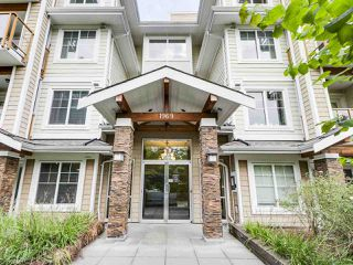 "Photo 2: 304 1969 WESTMINSTER Avenue in Port Coquitlam: Glenwood PQ Condo for sale in ""THE SAPHHIRE"" : MLS®# R2504819"