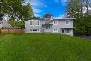 Photo 2: 19941 44B Avenue in Langley: Brookswood Langley House for sale : MLS®# R2507664
