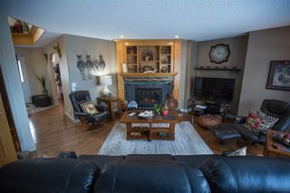 Photo 9: 10932 177 Avenue in Edmonton: Zone 27 House for sale : MLS®# E4221411