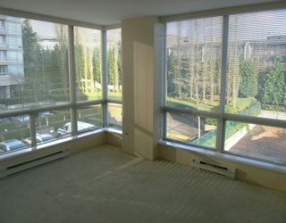 "Photo 4: 202 9623 MANCHESTER DR in Burnaby: Cariboo Condo for sale in ""STRATHMORE TOWERS"" (Burnaby North)  : MLS®# V567191"