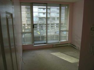 "Photo 5: 202 9623 MANCHESTER DR in Burnaby: Cariboo Condo for sale in ""STRATHMORE TOWERS"" (Burnaby North)  : MLS®# V567191"