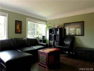 Photo 2: 1075 Marigold Rd in VICTORIA: SW Marigold House for sale (Saanich West)  : MLS®# 656008