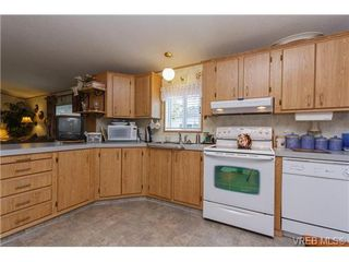 Photo 6: SAANICHTON MOBILE HOME = SAANICHTON REAL ESTATE Sold With Ann Watley! Call (250) 656-0131