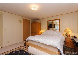 Photo 8: SAANICHTON MOBILE HOME = SAANICHTON REAL ESTATE Sold With Ann Watley! Call (250) 656-0131