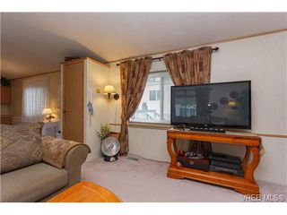 Photo 5: SAANICHTON MOBILE HOME = SAANICHTON REAL ESTATE Sold With Ann Watley! Call (250) 656-0131