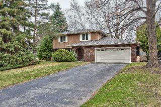 Photo 1: 151 Castle Crest in Oakville: Eastlake House (2-Storey) for sale : MLS®# W2882066