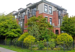 Photo 1: 1709 MAPLE Street in Vancouver: Kitsilano Townhouse for sale (Vancouver West)  : MLS®# V1066186