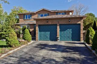 Main Photo: 17 Oakington Place in Mississauga: Streetsville House (2-Storey) for sale : MLS®# W3041030