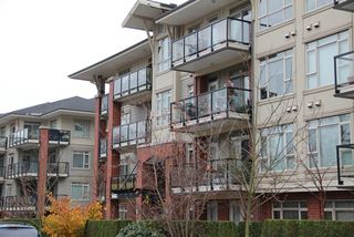 Photo 1: 209 200 CAPILANO Road in Port Moody: Port Moody Centre Home for sale ()  : MLS®# V981667
