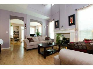 """Photo 2: 17 6950 120TH Street in Surrey: West Newton Townhouse for sale in """"Cougar Creek"""" : MLS®# F1442837"""
