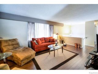 Photo 3: 75 Valley View Drive in WINNIPEG: Westwood / Crestview Residential for sale (West Winnipeg)  : MLS®# 1518931