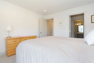"Photo 13: 7 1338 FOSTER Street: White Rock Townhouse for sale in ""EARLS COURT"" (South Surrey White Rock)  : MLS®# R2051150"