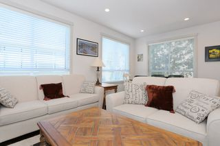 "Photo 3: 7 1338 FOSTER Street: White Rock Townhouse for sale in ""EARLS COURT"" (South Surrey White Rock)  : MLS®# R2051150"