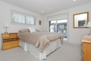 "Photo 12: 7 1338 FOSTER Street: White Rock Townhouse for sale in ""EARLS COURT"" (South Surrey White Rock)  : MLS®# R2051150"