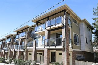 "Photo 1: 7 1338 FOSTER Street: White Rock Townhouse for sale in ""EARLS COURT"" (South Surrey White Rock)  : MLS®# R2051150"