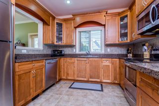 """Photo 8: 27 19219 67 Avenue in Surrey: Clayton Townhouse for sale in """"Balmoral"""" (Cloverdale)  : MLS®# R2059751"""