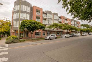"Photo 5: 411 789 W 16TH Avenue in Vancouver: Fairview VW Condo for sale in ""SIXTEEN WILLOWS"" (Vancouver West)  : MLS®# R2076359"