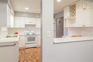 Photo 3: 2921 NEWCASTLE Place in Port Coquitlam: Glenwood PQ House 1/2 Duplex for sale : MLS®# R2157264