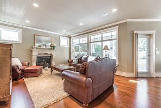 Photo 3: 1653 137 Street in Surrey: Sunnyside Park Surrey House for sale (South Surrey White Rock)  : MLS®# R2165376